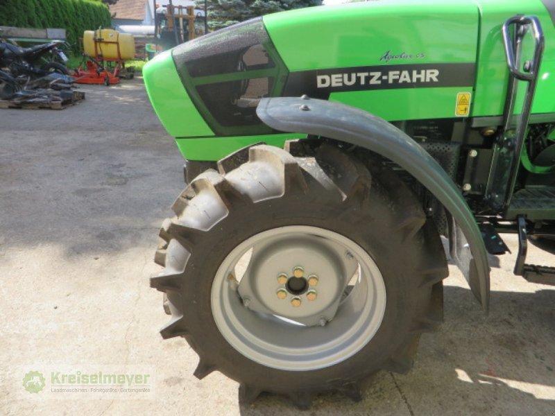 Sonstiges Traktorzubehör des Typs Deutz-Fahr Satz schwenkbare Kotflügel für Agrolux, Neumaschine in Feuchtwangen (Bild 1)