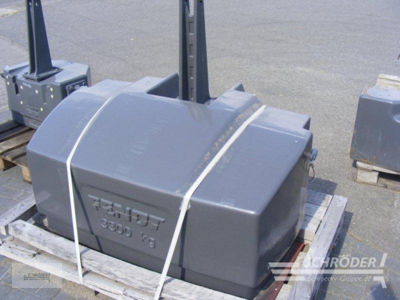 Sonstiges Traktorzubehör des Typs Fendt 3300 kg, Gebrauchtmaschine in Penzlin (Bild 1)