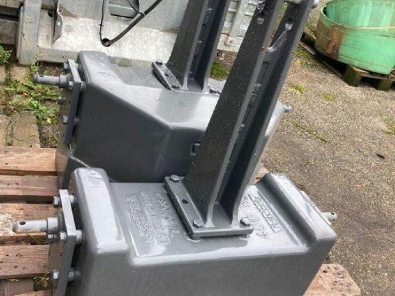 Sonstiges Traktorzubehör des Typs Fendt Belastungsgewicht 400 kg, Gebrauchtmaschine in Bühl (Bild 1)