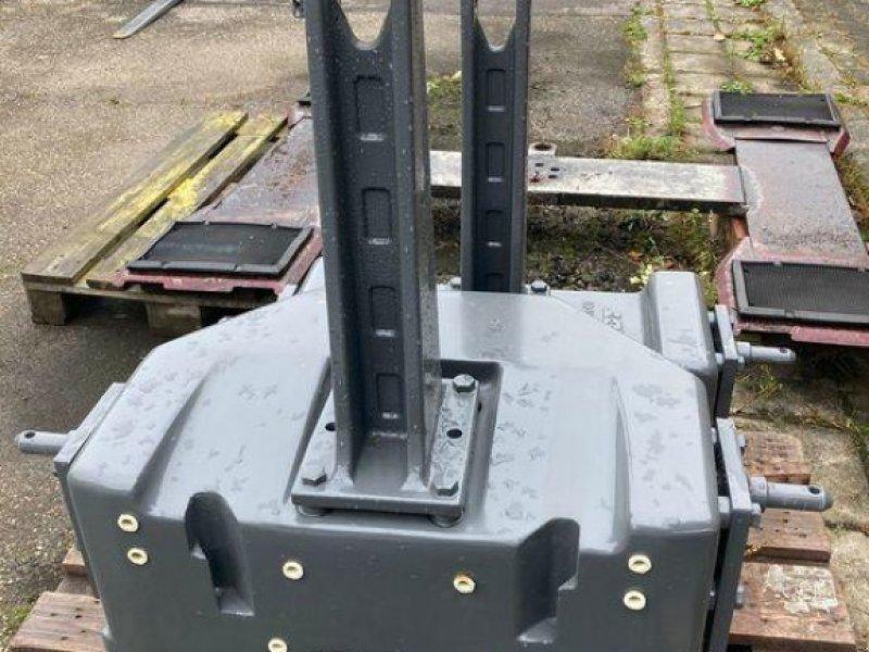 Sonstiges Traktorzubehör des Typs Fendt Belastungsgewicht 870 kg, Gebrauchtmaschine in Bühl (Bild 1)