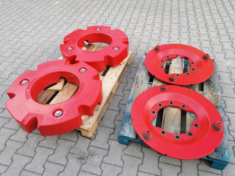 Sonstiges Traktorzubehör des Typs Fendt Radgewichte 2x300kG 10Loch Adapterplatten zum 718,820,724,828,939, Gebrauchtmaschine in Tirschenreuth (Bild 1)