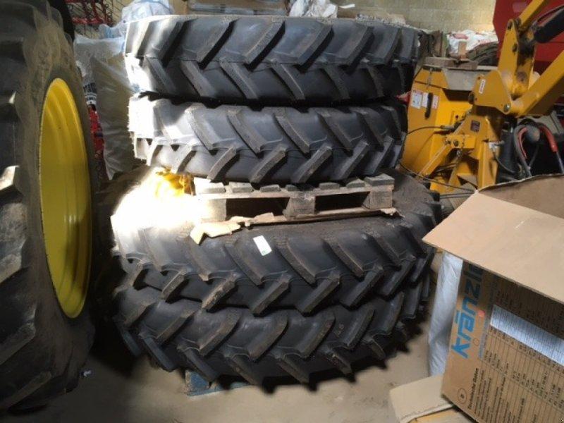 Sonstiges Traktorzubehör типа John Deere Row Crop Wheels, Gebrauchtmaschine в Spilsby (Фотография 1)