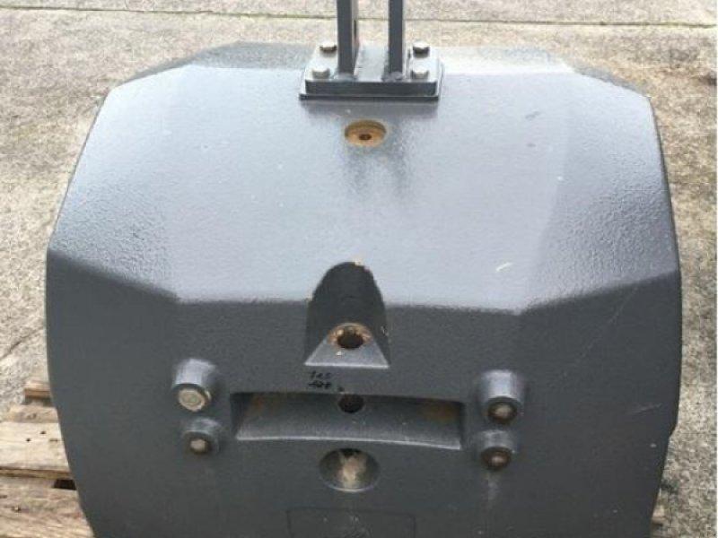 Sonstiges Traktorzubehör des Typs Massey Ferguson Frontgewicht 2300 kg, Gebrauchtmaschine in Wittingen (Bild 1)
