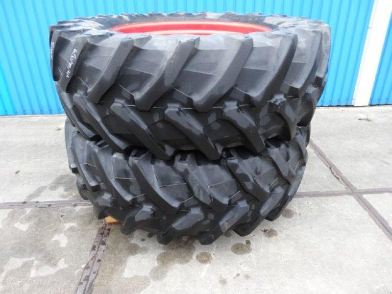 Sonstiges Traktorzubehör типа Sonstige 580/70R42 Pirelli 8 gaats fendt, Gebrauchtmaschine в Joure (Фотография 1)