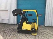 Sonstige Diversen Krcher Veegmachine met hooglosser, kieper, ka Прочие комплектующие для тракторов