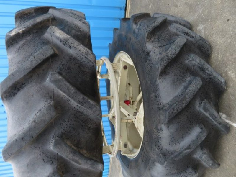 Sonstiges Traktorzubehör des Typs Sonstige Dubbellucht 13.6R28 5 ster molcon Goodyear, Gebrauchtmaschine in Joure (Bild 2)