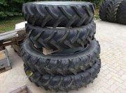 Sonstige PFLEGERAD 12.4R32 + 300/95R46 Прочие комплектующие для тракторов