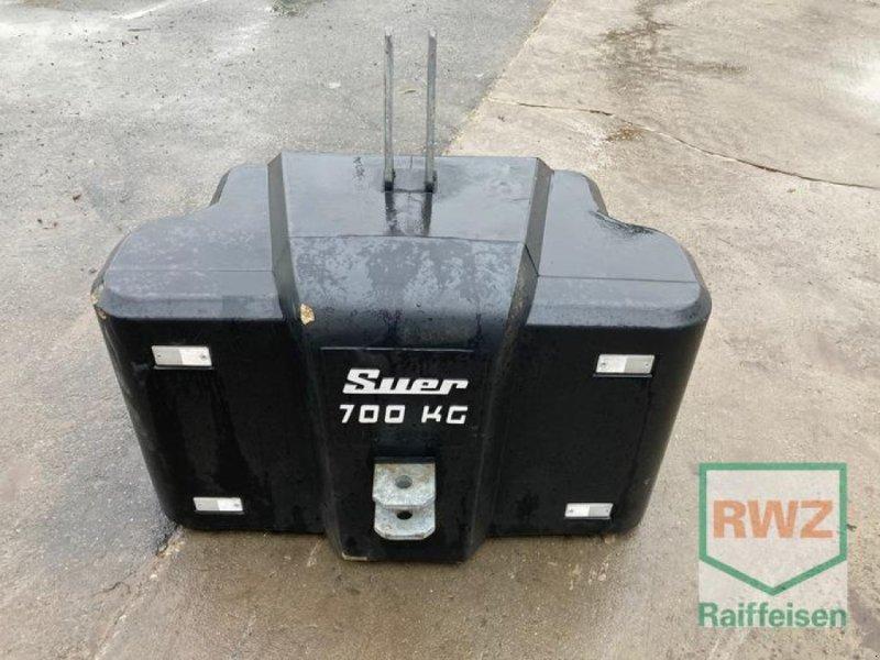 Sonstiges Traktorzubehör типа Suer Stalbetongewicht 700 kg, Gebrauchtmaschine в Lorsch (Фотография 1)