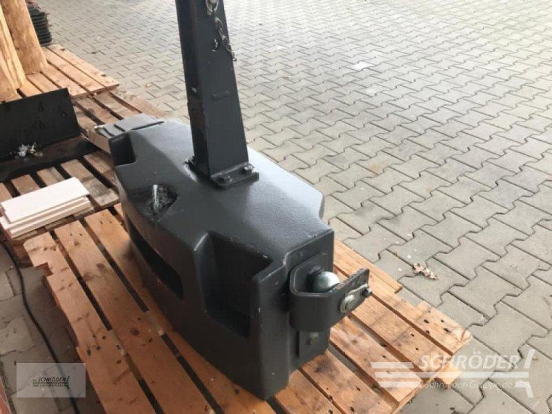 Sonstiges Traktorzubehör типа Zuidberg Stahlguss-Muttergewicht 600 kg, Gebrauchtmaschine в Twistringen (Фотография 1)