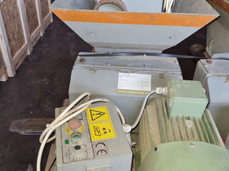 Sonstiges des Typs Kernkraft Ölpresse KK40 F Univ., Gebrauchtmaschine in Reut (Bild 1)