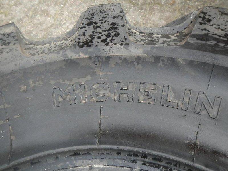 Sonstiges des Typs Michelin 335/80R20 - D168, Gebrauchtmaschine in Aabenraa (Bild 3)