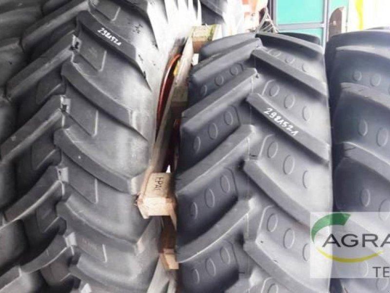 Sonstiges a típus Michelin 520/85R38 + 480/70R28, Gebrauchtmaschine ekkor: Lage (Kép 1)