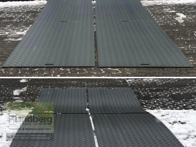 Sonstiges типа P.Lindberg GmbH 10 Stück Fahrplatten je Max. 10 Tonnen Druckplatten LDPE Baustelle Event Wiese, Neumaschine в Großenwiehe (Фотография 1)