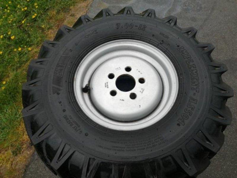 Sonstiges типа Sonstige Brugte komplette BKT hjul 700x12 med 5-huls fælg, Gebrauchtmaschine в Vrå (Фотография 1)