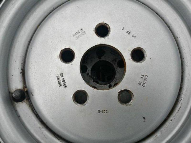 Sonstiges типа Sonstige Brugte komplette BKT hjul 700x12 med 5-huls fælg, Gebrauchtmaschine в Vrå (Фотография 4)
