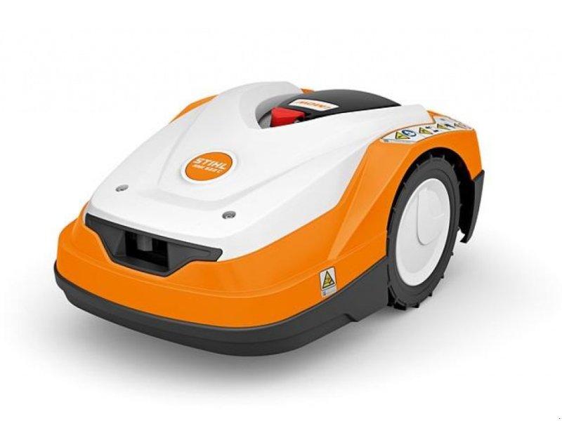 Sonstiges a típus Stihl RMI 522 C Fuldautomatisk robotplæneklipper til mellemstore græsarealer op til 2.100 m2 med Direct Drive Home, Gebrauchtmaschine ekkor: Kjellerup (Kép 1)