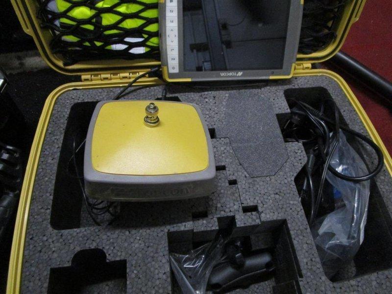 Фотография Topcon Hiper VR med FC-5000 terminal, kommer fra konkursbo