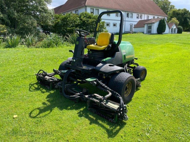 Spindelmäher типа John Deere 3235 C Allrad 4 WD, Gebrauchtmaschine в Weidenbach (Фотография 1)