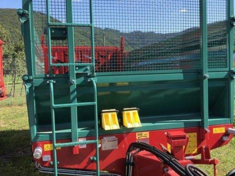 Stalldungstreuer des Typs Farmtech Superfex 700, Ausstellungsmaschine in Steinach (Bild 13)