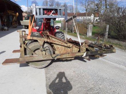 MDW-Fortschritt Steinsammler Steinsammelwagen Stein Findlinge Feld Acker Sammler Steinsammler
