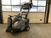 Kärcher KM 105/100 R Straßenkehrmaschine