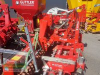 Güttler HarroFlex 300 mit Güttler Prismenwalze PW 30 E/S Сетчатая борона с устройством подсева