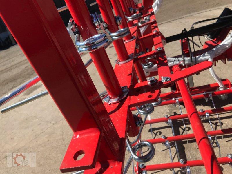 Striegel mit Nachsaateinrichtung des Typs Jar-Met 6m Wiesenstriegel Pneumatischer, Neumaschine in Tiefenbach (Bild 9)