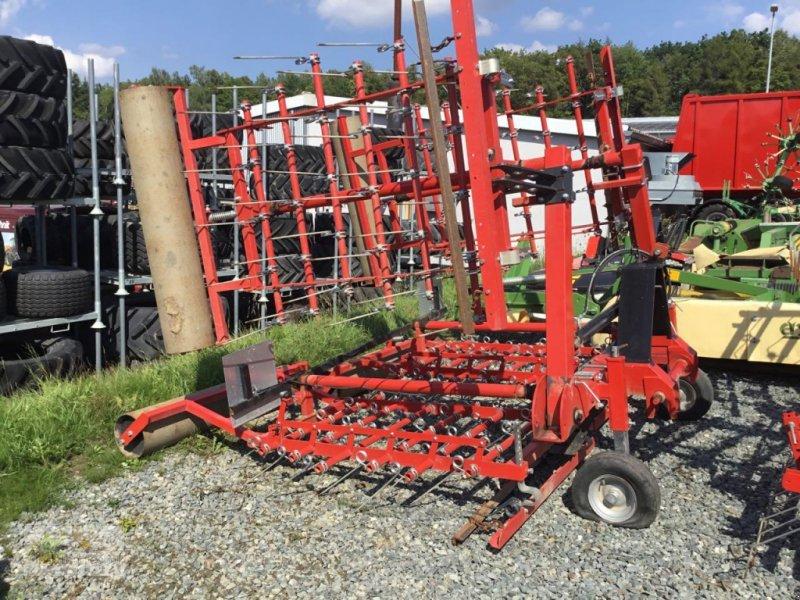 Striegel mit Nachsaateinrichtung типа Sonstige Jarmet 6,00 m, Gebrauchtmaschine в Pfreimd (Фотография 1)