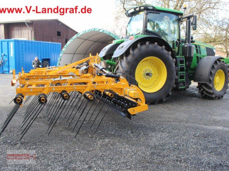 Striegel des Typs Agrisem Turbomulch, Neumaschine in Ostheim/Rhön (Bild 1)