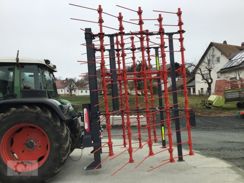 Striegel des Typs Madara Strohstriegel 80H 6m, Neumaschine in Tiefenbach (Bild 2)