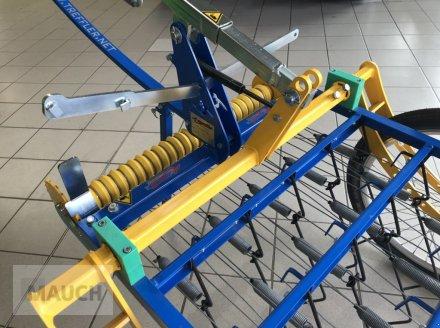 Striegel des Typs Treffler Tiny-Treffler TS 80T Striegel, Neumaschine in Burgkirchen (Bild 8)