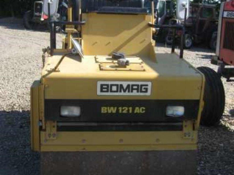 Tandemvibrationswalze des Typs Bomag BW121AC, Gebrauchtmaschine in Viborg (Bild 1)