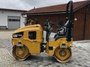 Tandemvibrationswalze tip CAT CB22 B mit 2940kg, Gebrauchtmaschine in Neureichenau