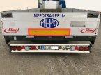 Tieflader des Typs F Tieflader 13,65m gekröpft mit Containeraufnahme und Alubordwände in Großkarolinenfeld bei Rosenheim / B15