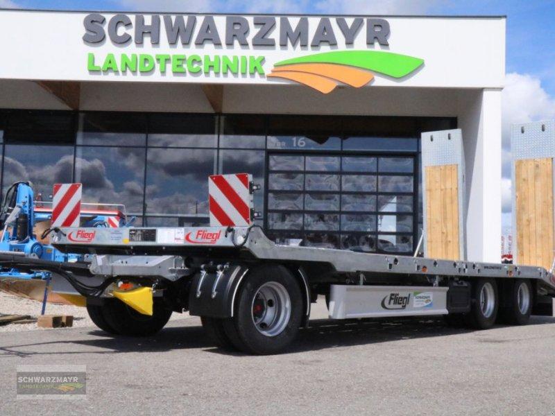 Tieflader des Typs Fliegl 3-Achs Tieflader DTS 300 P, Neumaschine in Gampern (Bild 1)