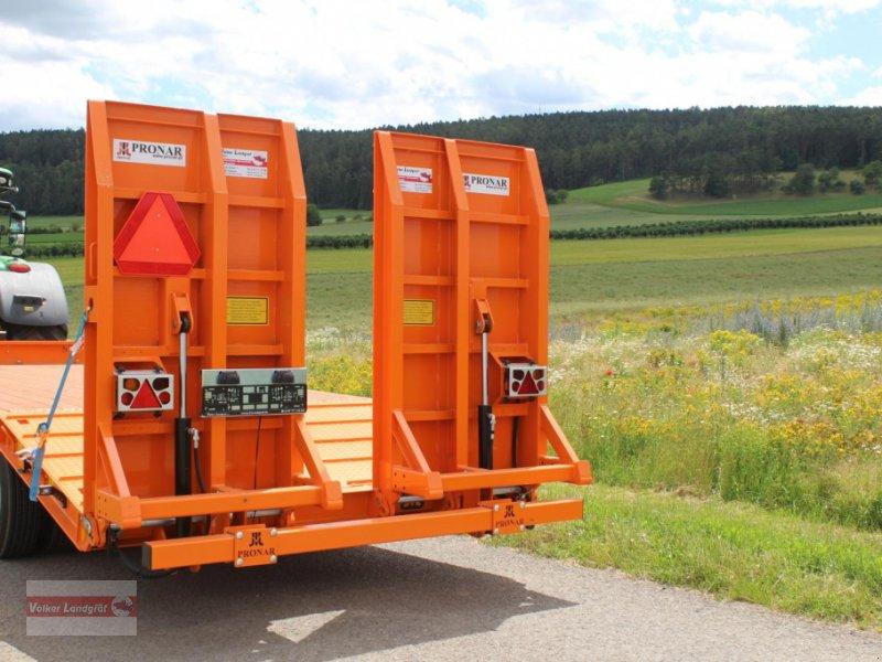 Tieflader des Typs PRONAR RC2100/2, Neumaschine in Ostheim/Rhön (Bild 3)
