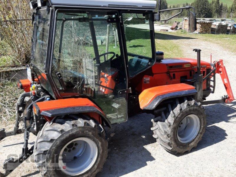 Traktor des Typs Antonio Carraro Tigretrac 8008, Gebrauchtmaschine in Germaringen (Bild 2)