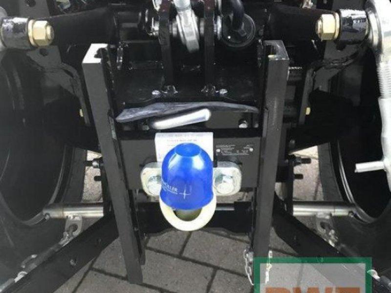 Traktor des Typs Branson 2505 H, Neumaschine in Kusel (Bild 3)