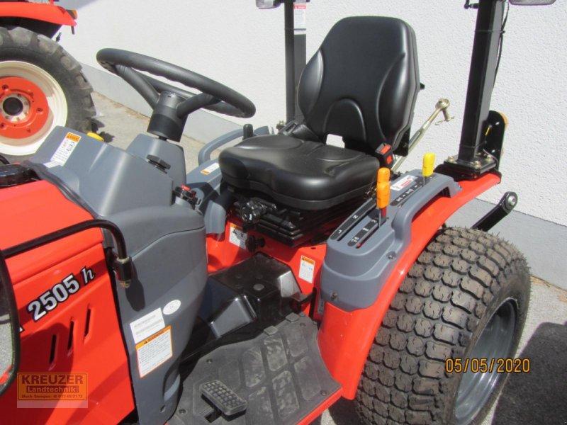 Traktor типа Branson 2505 h, Neumaschine в Much (Фотография 8)