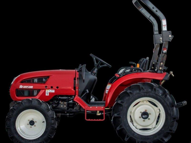 Traktor typu Branson 3100H, Gebrauchtmaschine w Mijdrecht (Zdjęcie 1)