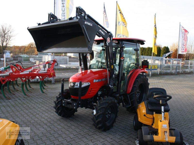 Traktor des Typs Branson 5025C, Neumaschine in Bassum (Bild 2)
