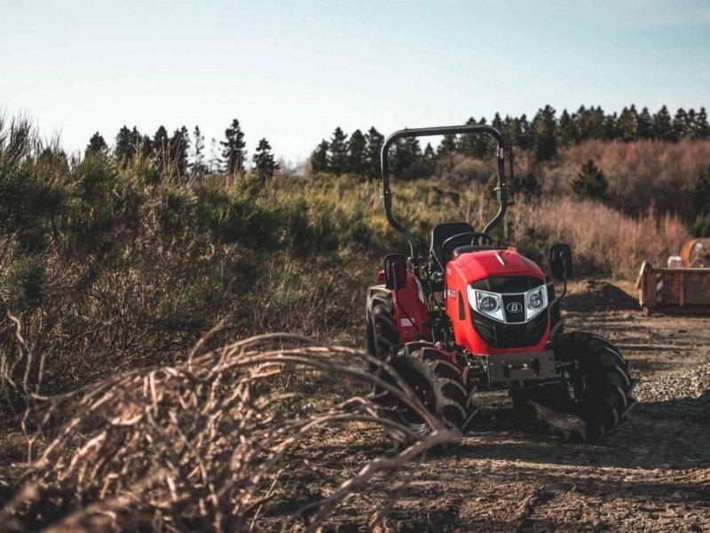 Traktor типа Branson F47H, Gebrauchtmaschine в Mijdrecht (Фотография 9)