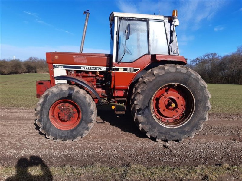 Traktor типа Case IH 1486 4 WD og 1 stk IH 886 4 WD, Gebrauchtmaschine в Skive (Фотография 1)