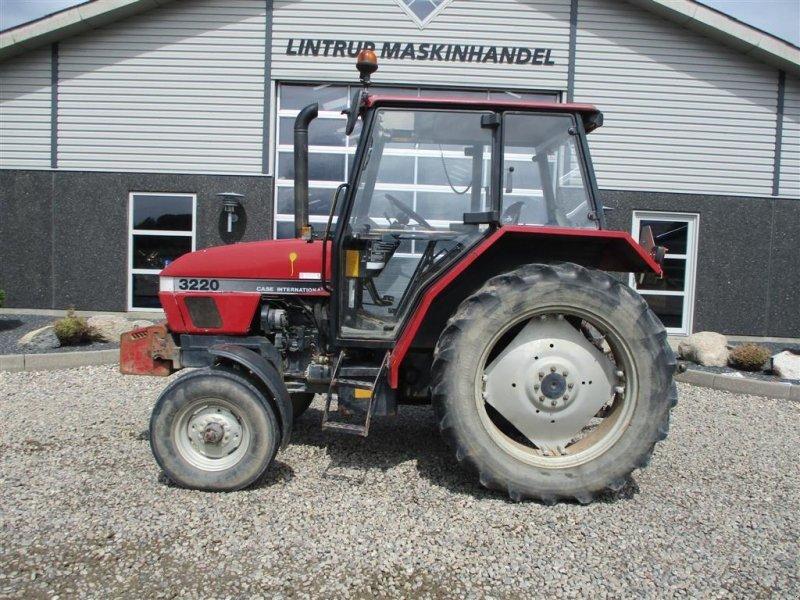 Traktor типа Case IH 3220 Utrolig handy traktor med KUN 3925 timer, Gebrauchtmaschine в Lintrup (Фотография 1)