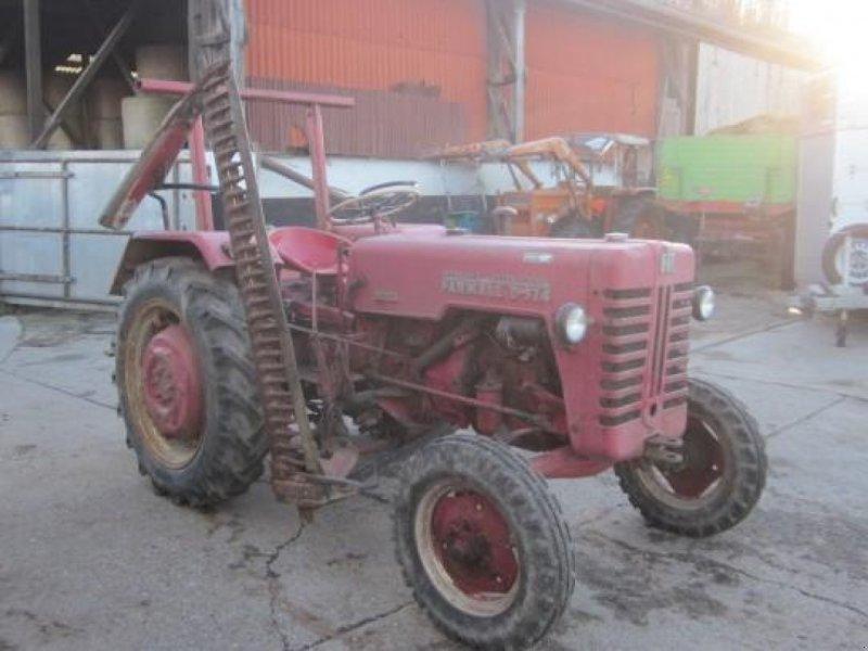 Traktor des Typs Case IH 324, Gebrauchtmaschine in Ziegenhagen (Bild 1)