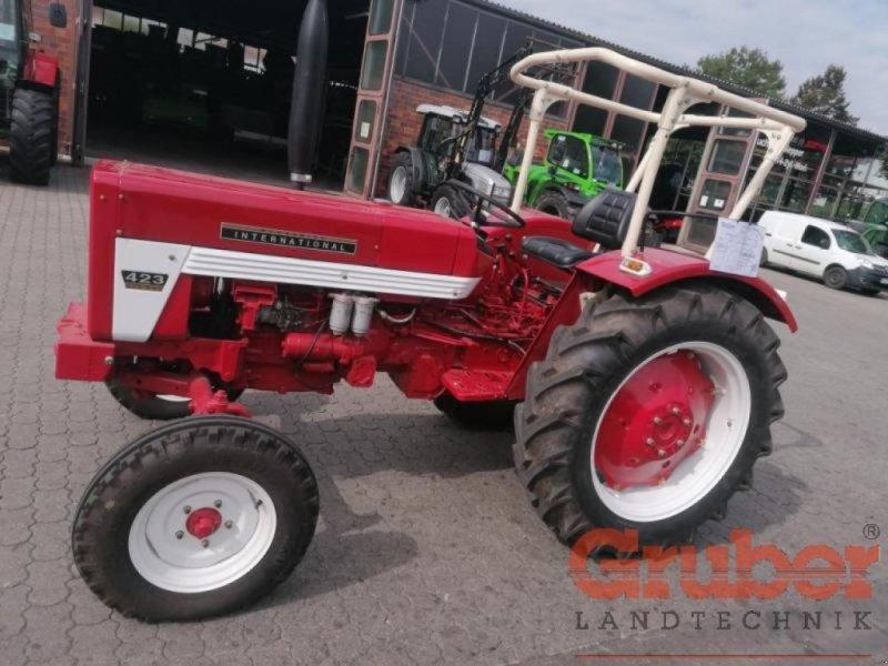 Traktor des Typs Case IH 423, Gebrauchtmaschine in Ampfing (Bild 1)