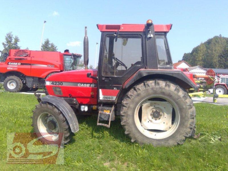 Traktor des Typs Case IH 4230 XL A, Gebrauchtmaschine in Offenhausen (Bild 1)