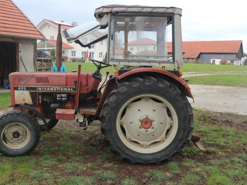 Traktor des Typs Case IH 433, Gebrauchtmaschine in Lamerdingen (Bild 1)