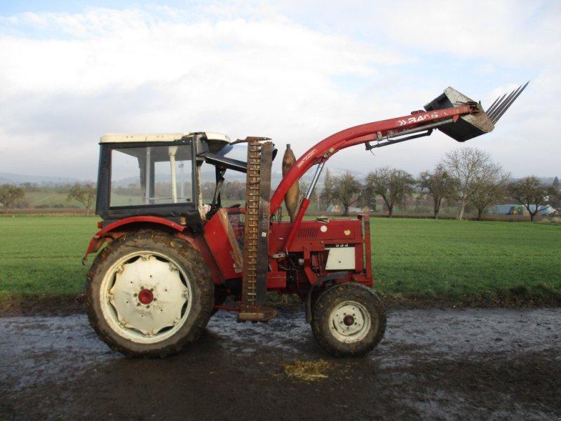 Traktor des Typs Case IH 533 HR, Gebrauchtmaschine in Knüllwald (Bild 1)