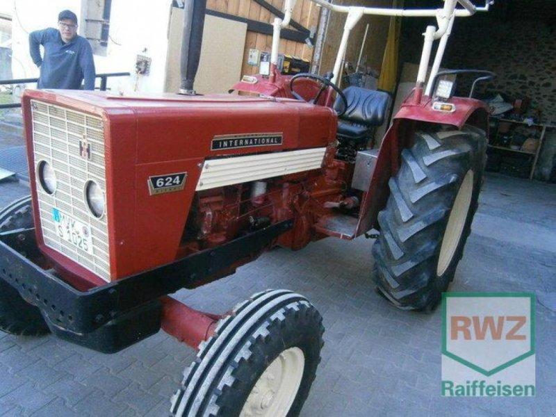 Traktor des Typs Case IH 624, Gebrauchtmaschine in Kruft (Bild 1)